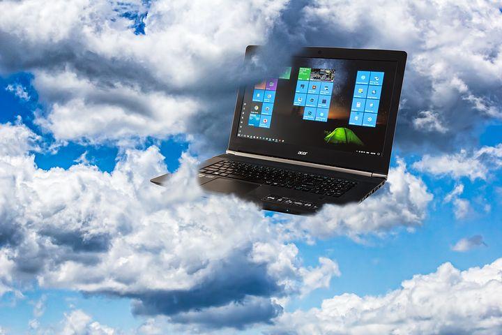 hibrid felhő